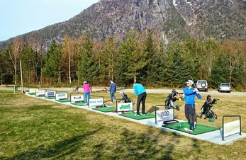 Gratis golftrening for barn og juniorer