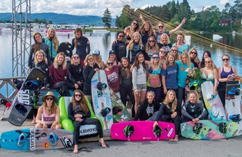 Ny runde med Nordic Wake Girls -The Gathering på Norsjø!