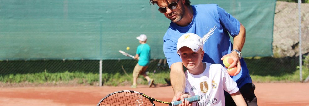 Tenniscamp for barn og ungdom i sommerferien!